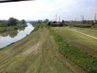 L'Arno a valle del Ponte all'Indiano (foto Consorzio di Bonifica 3 Medio Valdarno)